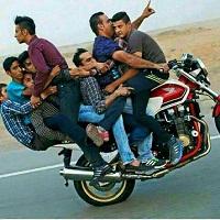 9 موتورسوار